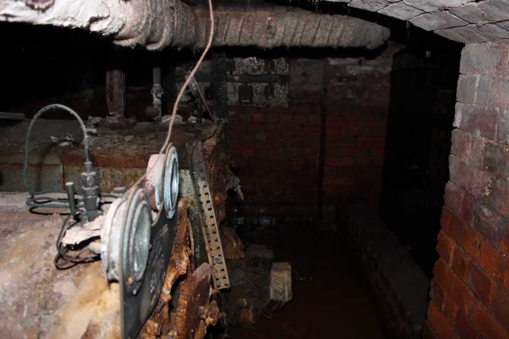 Asbestos-cellar-in-church-2